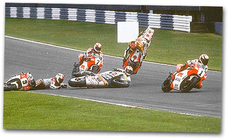 Mick Doohan loses it at the British GP in 1993,  chasing #1, Wayne Rainey